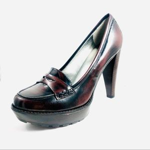 Women's Guess Penny Loafer Heels, Brown Leather.
